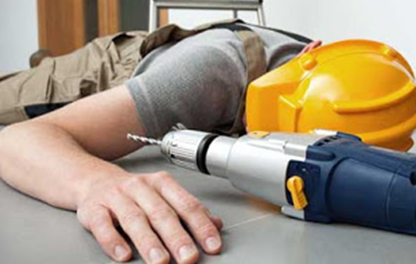 برق گرفتگی و کوری چشم دو نمونه از حوادث کارگری