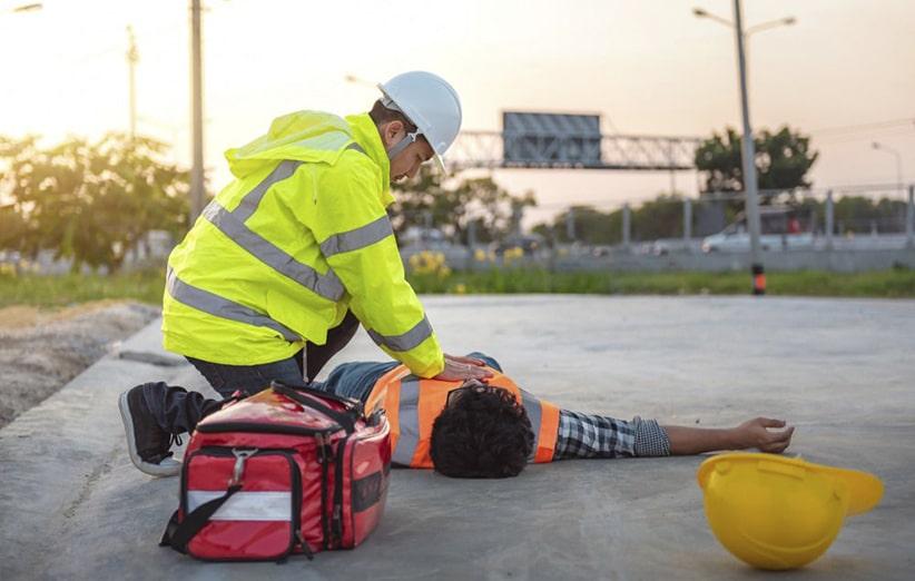 کمک های اولیه و عملیات نجات مصدومین برق گرفته