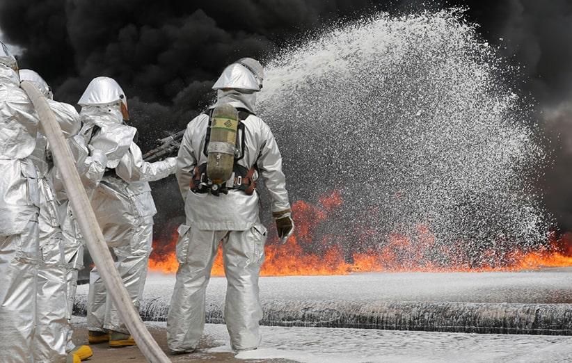 لباس کار عملیاتی هنگام تماس با آتش
